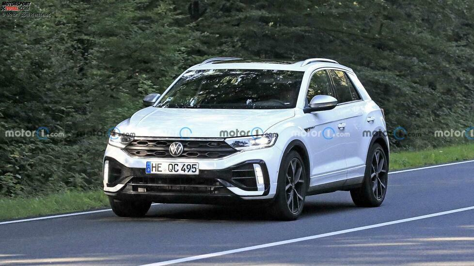 The VW T-Roc R facelift has been spotted while testing near Wolfsburg.