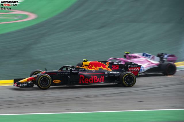 Bei der Attacke im Senna-S leistet er mehr Gegenwehr, als einem Überrundeten zusteht, ...