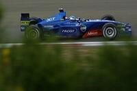 Jean Alesi im Prost AP04 in Aktion