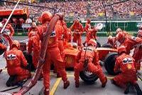 Rubens Barrichello beim Boxenstopp