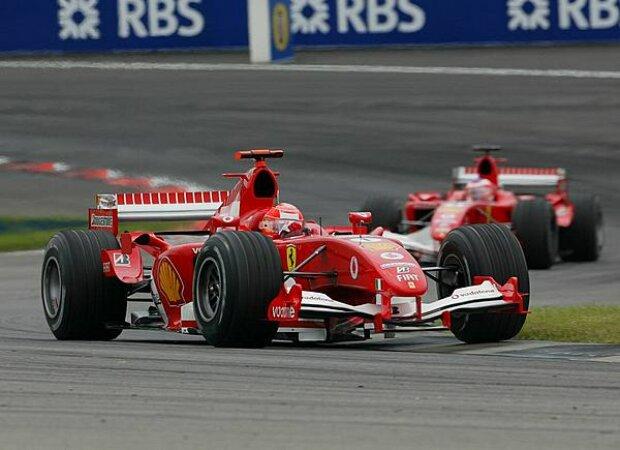 Michael Schumacher vor Rubens Barrichello
