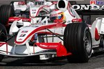 Yuji Ide vor Takuma Sato (Super Aguri F1 Team)