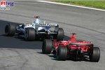 Michael Schumacher (Ferrari), Nick Heidfeld (BMW Sauber F1 Team)