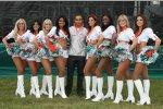 Lewis Hamilton (McLaren-Mercedes) in Begleitung