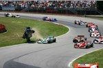 Die Kollision zwischen Marco Andretti Tony Kanaan Andretti Green