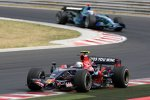 Sebastian Vettel (Toro Rosso) vor Jenson Button (Honda F1 Team)