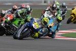 Valentino Rossi vor Chris Vermeulen, dahinter kracht es