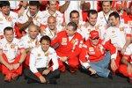 Felipe Massa, Jean Todt (Teamchef) und Kimi Räikkönen (Ferrari)