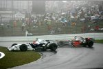 Robert Kubica (BMW Sauber F1 Team) und Lewis Hamilton (McLaren-Mercedes)