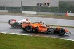 Adrian Sutil (Spyker) und Ralf Schumacher (Toyota)