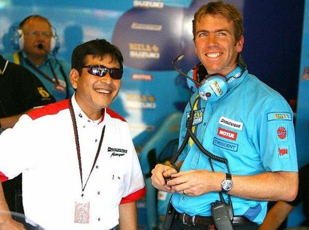 Paul Denning mit einem Bridgestone-Ingenieur