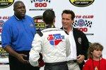 2005: Kyle Busch mit Magic Johnson und Arnold Schwarzenegger