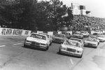 1982: Einführungsrunde, rechts Dale Earnhardt