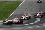 Nelson Piquet Jr. (Renault) und Adrian Sutil (Force India)