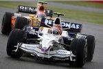 Robert Kubica (BMW Sauber F1 Team) vor Nelson Piquet Jr. (Renault)