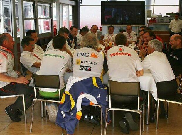 Meeting der Teamchefs
