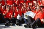 Heikki Kovalainen Lewis Hamilton Ron Dennis (Teamchef) (McLaren-Mercedes)
