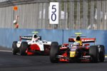 Luca Filippi (Arden) vor Romain Grosjean (ART)