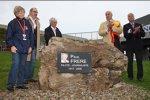 Enthüllung des Denkmals für den verstorbenen belgischen Rennfahrer Paul Frere