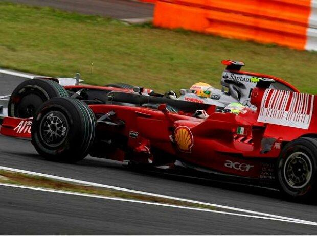 Lewis Hamilton vor Felipe Massa