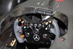 Lenkrad des McLaren-Mercedes MP4-24