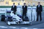 Walter Riedl, Robert Kubica, Mario Theissen (BMW Motorsport Direktor), Nick Heidfeld, Christian Klien und Markus Duismann (BMW Sauber F1 Team)