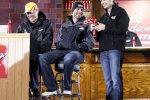 Kevin Harvick und Jimmie Johnson lachen über das Losglück von  Jeff Gordon: der letzte Startplatz 28