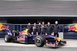 Sebastian Vettel, Adrian Newey (Technischer Direktor), Mark Webber Christian Horner (Teamchef) (Red Bull)