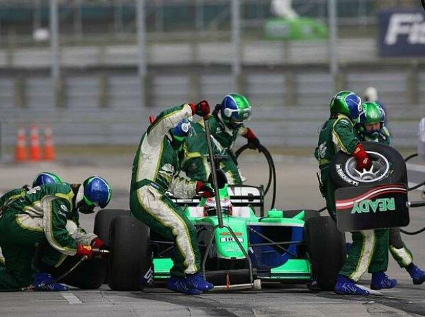 Adam Carroll, Taupo, Taupo Raceway