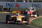 Fernando Alonso (Renault) und Jarno Trulli (Toyota)