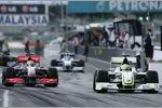 Lewis Hamilton (McLaren-Mercedes) und Jenson Button (Brawn)