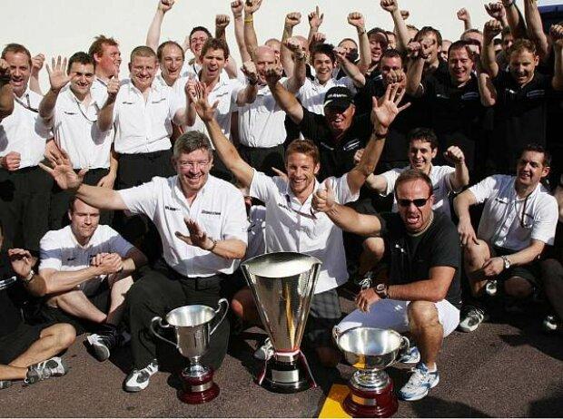 Jenson Button, Rubens Barrichello, Ross Brawn (Teamchef)