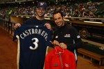 Helio Castroneves bei den Milwaukee Brewers