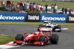 Kimi Räikkönen (Ferrari) vor Nico Rosberg (Williams)