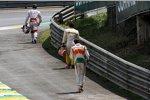 Im Rennen in São Paulo kommt es zur Kollision und Meinungsverschiedenheit mit Jarno Trulli, die Gemüter beruhigen sich dann aber noch vor etwaigen Handgreiflichkeiten
