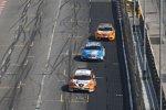 Tom Coronel (Sunred) vor Nicola Larini (Chevrolet) und Rickard Rydell (SEAT)
