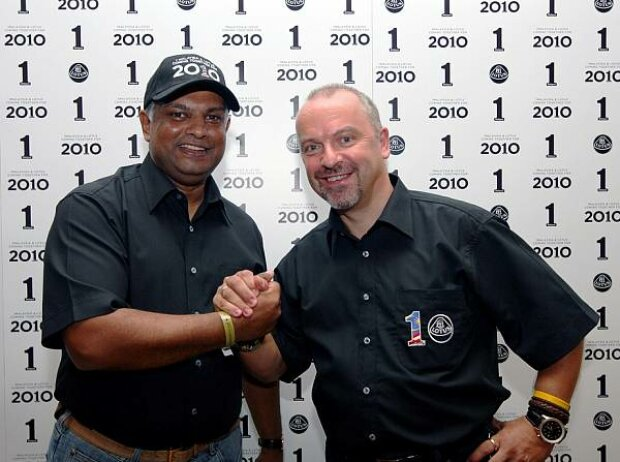 Tony Fernandes; Mike Gascoyne