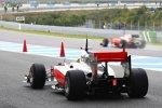 Lewis Hamilton (McLaren), Felipe Massa (Ferrari) auf der Piste