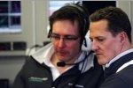 Michael Schumacher (Mercedes) mit Renningenieur Andrew Shovlin