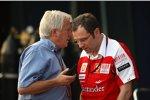 Charlie Whiting (Technischer Delegierte der FIA) und Stefano Domenicali (Teamchef)