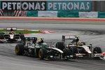 Heikki Kovalainen (Lotus) und Bruno Senna (HRT)