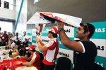 Fernando Alonso (Ferrari) und Karun Chandhok (HRT)