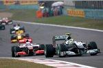 Nico Rosberg (Mercedes) vor Jenson Button (McLaren)