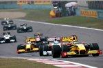 Robert Kubica (Renault) vor Adrian Sutil (Force India)