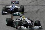 Nico Rosberg (Mercedes) vor Rubens Barrichello (Williams)