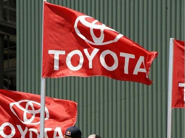 Toyota-Fahnen