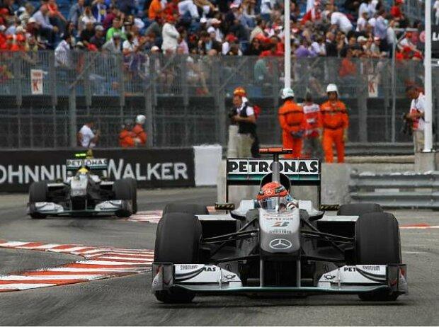 Michael Schumacher vor Nico Rosberg