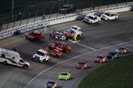 Robby Gordon (RGR) und Bill Elliott (Wood) nach ihrem Crash