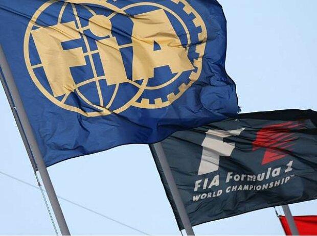 FIA- und F1-Fahne