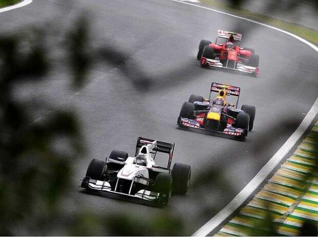 Nick Heidfeld vor Mark Webber und Fernando Alonso
